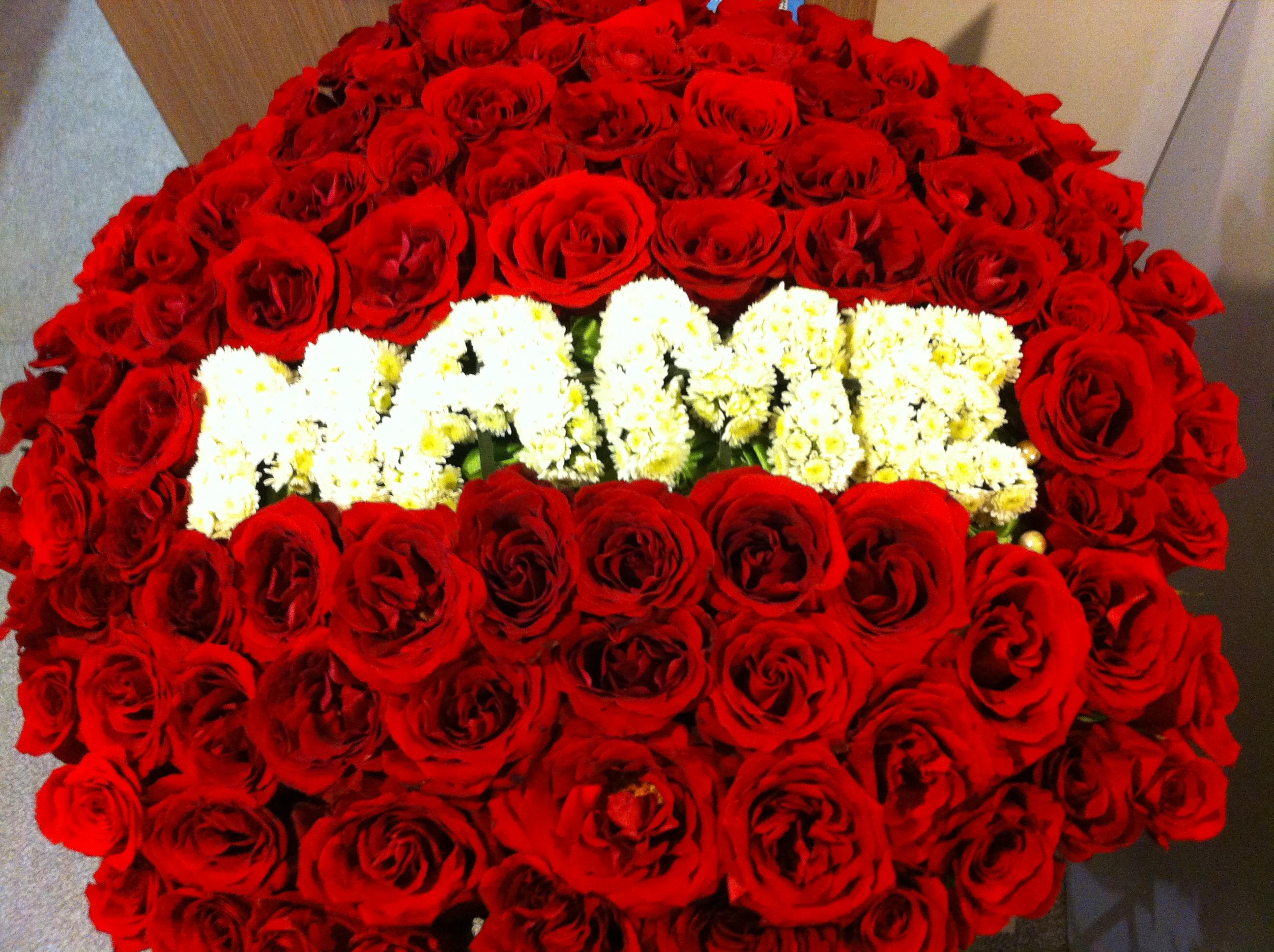 Букет цветов на юбилей женщине в 50 лет: какой он?